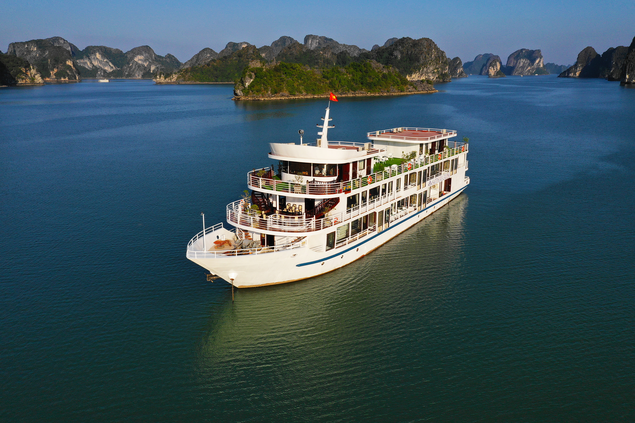 Du Lịch  trên tàu Sapphire  Cruise 3 ngày 2 đêm